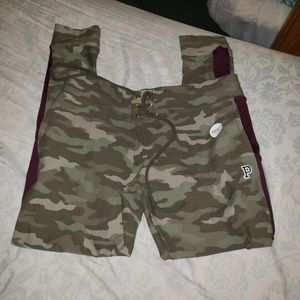 NWT vs pink camo campus leggings LARGE